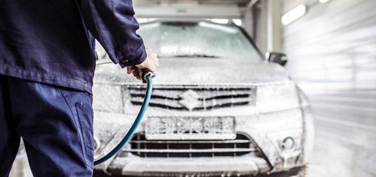 Мийка автомобіля взимку: «за» і «проти»
