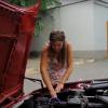 Заміна повітряного фільтра Denckermann A140090 на BMW E34 535i (відео)