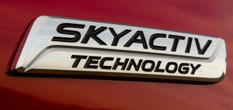 Mazda створила бензиновий двигун без свічок запалювання!