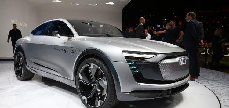 Audi пропонує автомобілям самостійне життя за відсутності водія
