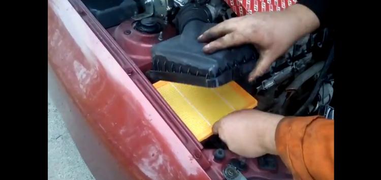 Заміна повітряного фільтра Alpha Filter AF1618 на Daewoo Sens (відео)