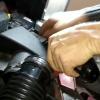 Заміна повітряного фільтра Ford 1232496 на Ford C-Max (відео)