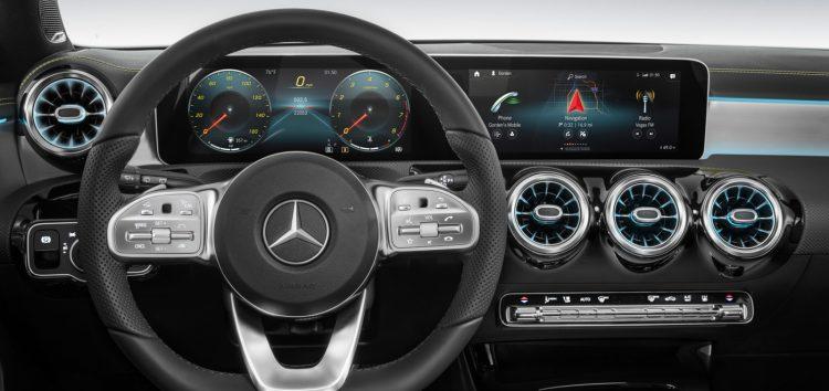 Mercedes створив нову систему управління голосом