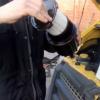Заміна паливного фільтра Ford 1930091 на Ford Transit (відео)