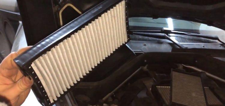 Заміна фільтра салона Purflux AHC3492 на BMW X5