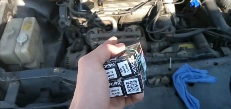 Заміна свічок запалювання SUPER R Brisk LR17YC на Mazda 626 (відео)