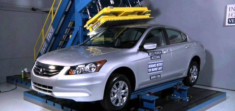 Як проходять тести автомобільного даху (відео)
