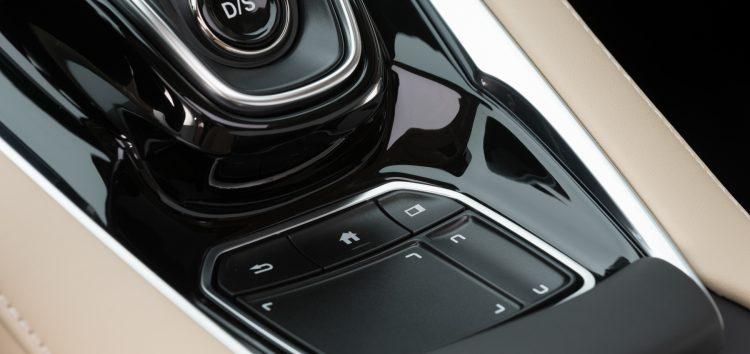 Acura відмовляється від тачскріну