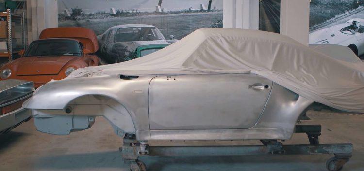 Porsche демонструє як створити унікальний спорткар (відео)