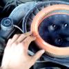 Заміна повітряного фільтра WIX WA6404 на Ford Scorpio (відео)