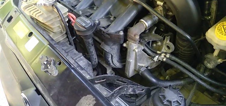 Заміна втулки КПП Mercedes A0002651249 на Mercedes Vito (відео)