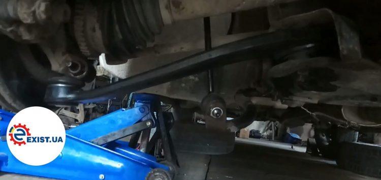 Заміна важіля підвіски ABS 211137 на Peugeot 206 (відео)