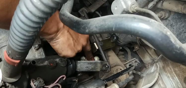 Заміна механізма перемикання передач JP GROUP 1131700210 на Volkswagen Caddy (відео)