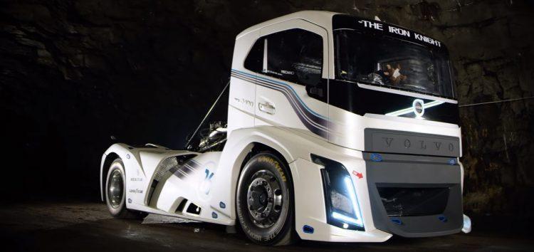 Як їде найшвидша вантажівка (відео)