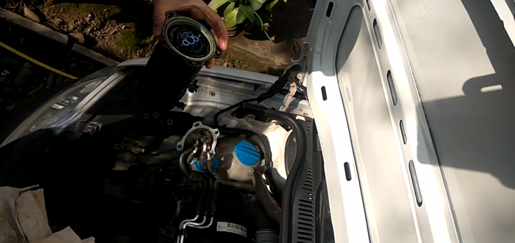 Заміна паливного фільтра MAHLE/KNECHT KX 178D на Volkswagen Caddy (відео)