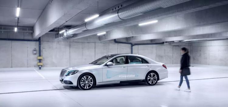 Безпілотники Mercedes будуть розмовляти з пішоходами