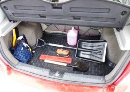 Що потрібно взимку в машині