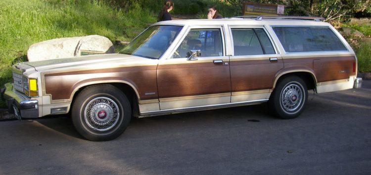 Ford Country Squire: американський сімейний канон