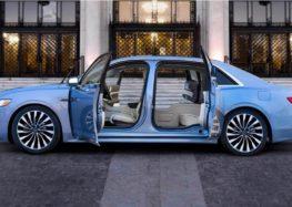 Як у Lincoln Continental двері не в ту сторону відкрилися (відео)