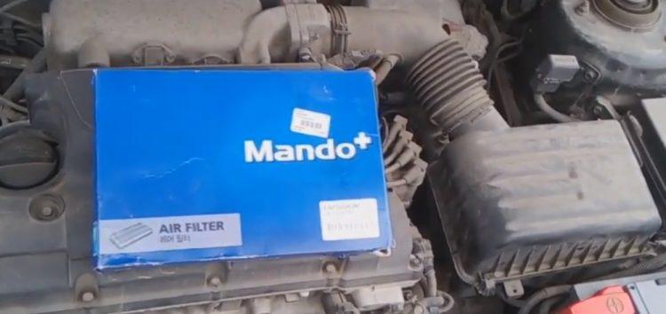 Заміна повітряного фільтра Mando EAF00083M на KIA Cerato (відео)