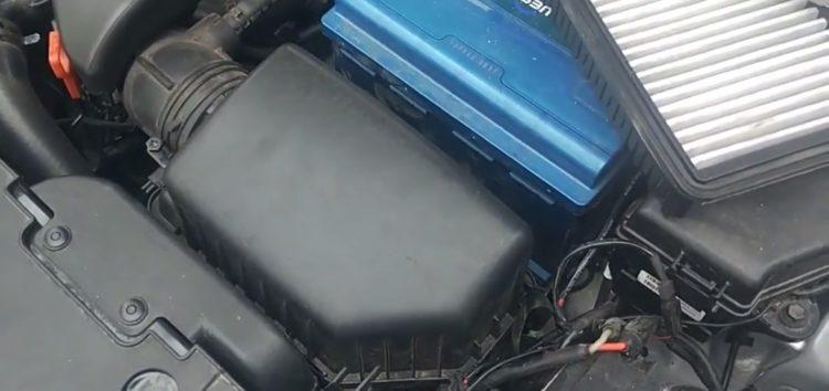 Заміна повітряного фільтра AG AUTOPARTS AG1873 на KIA RIO (відео)