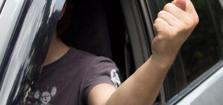 8 неформальних жестів водіїв, яких немає в ПДР