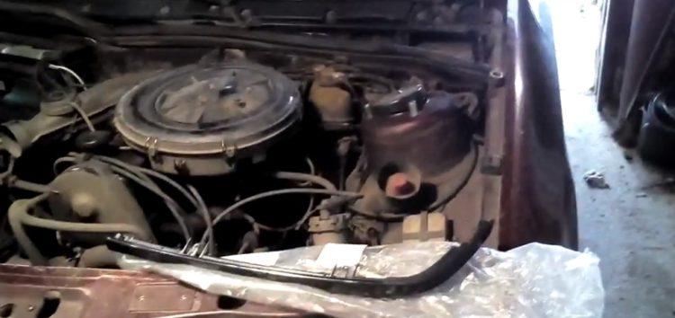 Заміна кріплення решітки радиатора KLOKKERHOLM 2552991 на Ford Scorpio (відео)