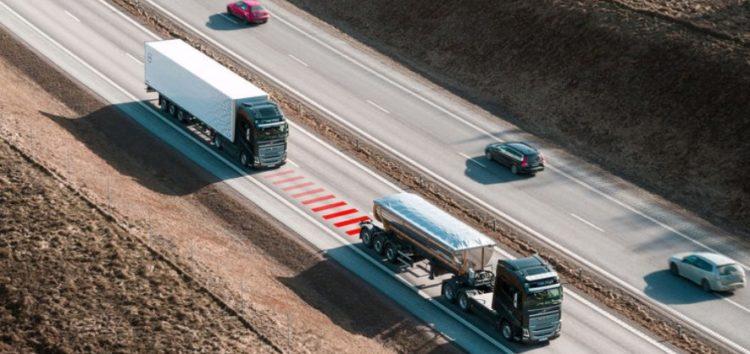 Volvo Trucks попереджають про небезпечну дистанцію