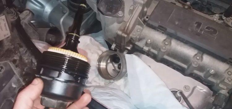 Заміна масляного фільтра UFI 25.029.00 на Skoda Fabia (відео)
