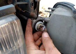 Заміна лампи BOSMA 3048 на Mazda 626