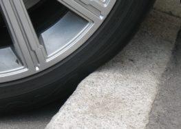 Шкідливі звички автовласників, які гублять шини