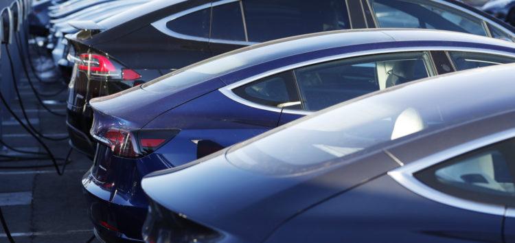 Tesla запрошує на сервіс лише «коли необхідно»