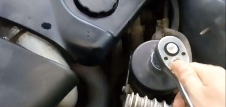 Заміна паливного фільтра STARLINE SF PF7801 на BMW e46 (відео)