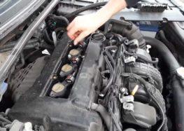 Заміна свічок запалювання NGK 2687 на Mitsubishi Lancer (відео)