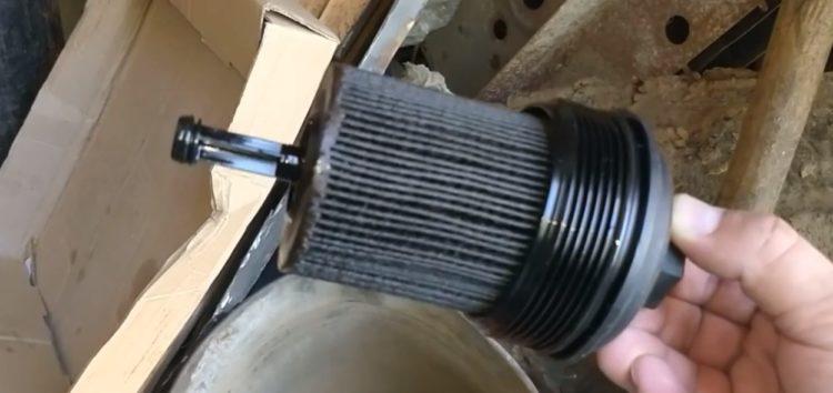 Заміна фільтра масляного MANN-FILTER HU 719/7 X на Volkswagen Passat B6 (відео)