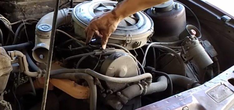 Заміна кришки маслозаливної горловини JP GROUP 1513600100 на Ford Scorpio (відео)