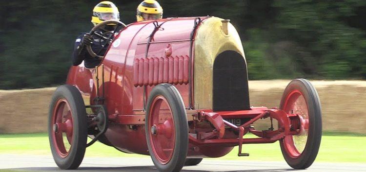 Як їздить столітній Fiat з 28,4-літровим мотором (відео)