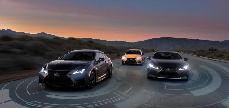 Lexus робить стандартними просунуті системи безпеки