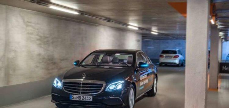 Mercedes-Benz та Bosch створили парковку, яка все робить сама