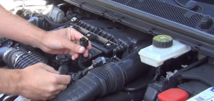 Заміна повітряного фільтра WIX WA9802 на Peugeot 308 SW (відео)