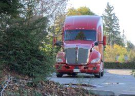 У США починають працювати безпілотні вантажівки (відео)