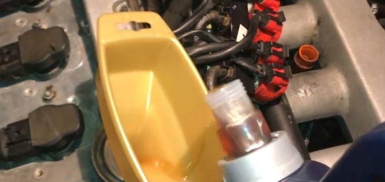 Заміна моторної оливи PENNASOL 150787 на Skoda Super B (відео)