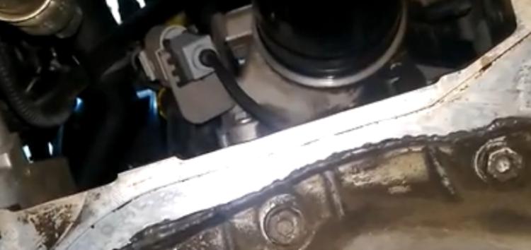 Заміна масляного фільтра WIX WL7071 на Skoda Octavia A5 (відео)