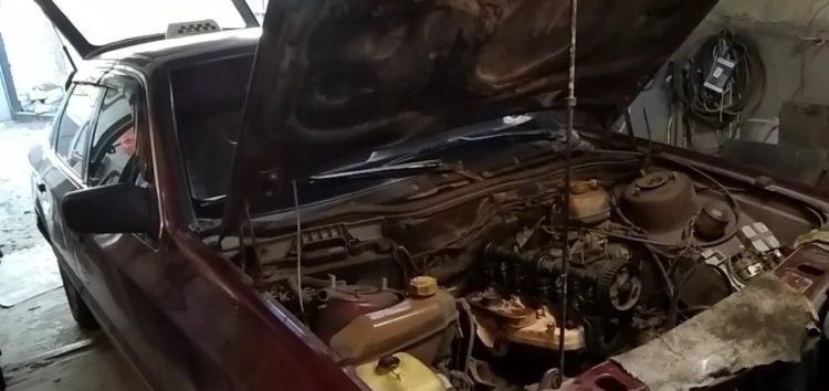 Заміна прокладки ГБЦ AJUSA 10018300 на Ford Scorpio (відео)