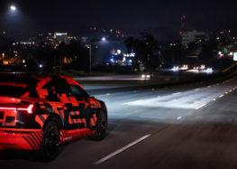 Audi показала цифрові фари E-Tron Sportback