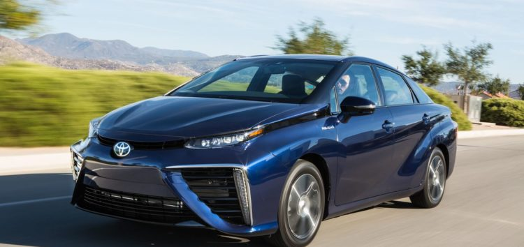 Що відомо про «водневий» Toyota Mirai
