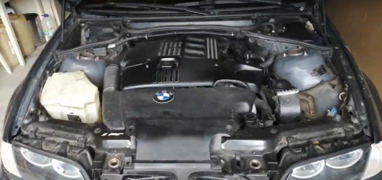 Заміна фільтра масляного CHAMPION COF100518E на BMW 320d (відео)
