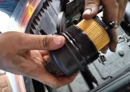 Заміна фільтра масляного PURFLUX L343C на Citroen C3 Picasso (відео)