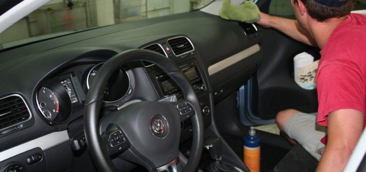 Правила прибирання в автомобілі