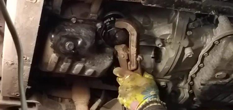 Заміна фільтра масляного MANN FILTER W 610 7 на Hyundai i10 (відео)